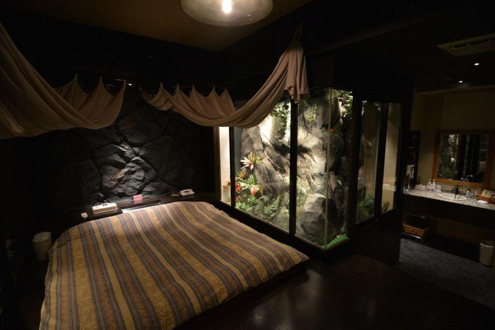 LJUBAVNI HOTELI: Neobičan japanski izum!