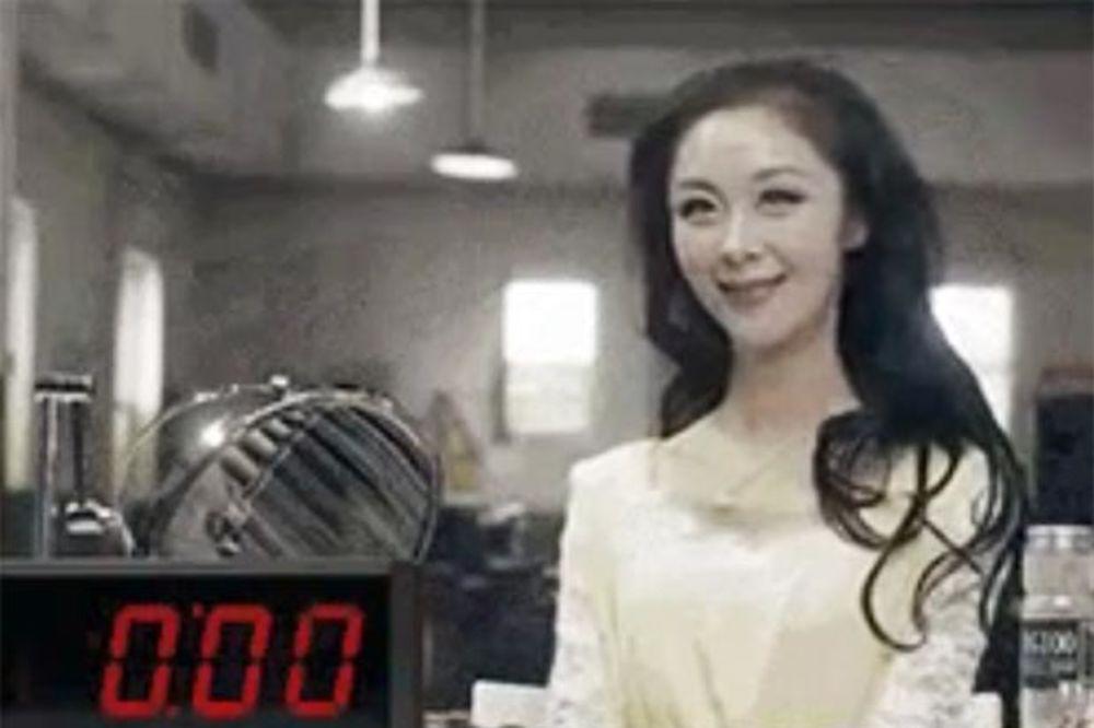 (VIDEO) AKO STE ČESTO U ŽURBI: Evo kako da se našminkate za samo 10 sekundi!