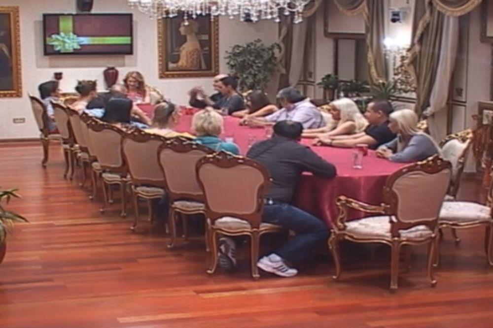 PRODUKCIJA PAROVA DONELA ODLUKU: Učesnici morali da prihvate nove ugovore!
