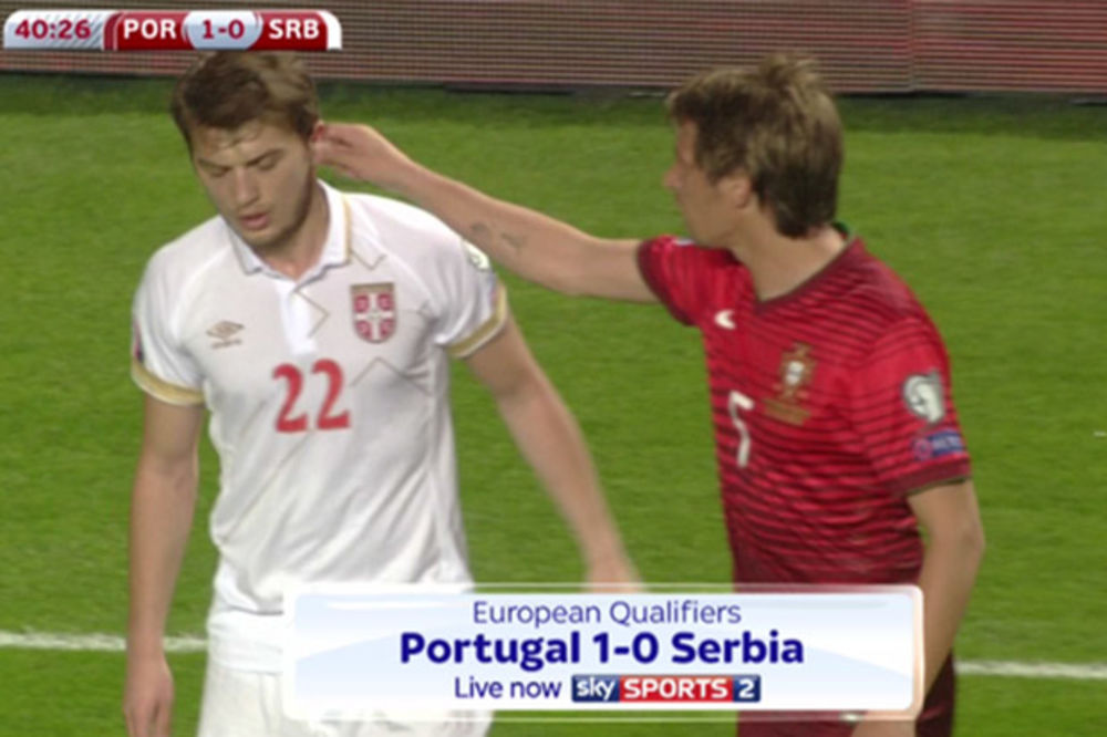 (VIDEO) SKANDAL: Portugalac povukao Ljajića za uvo