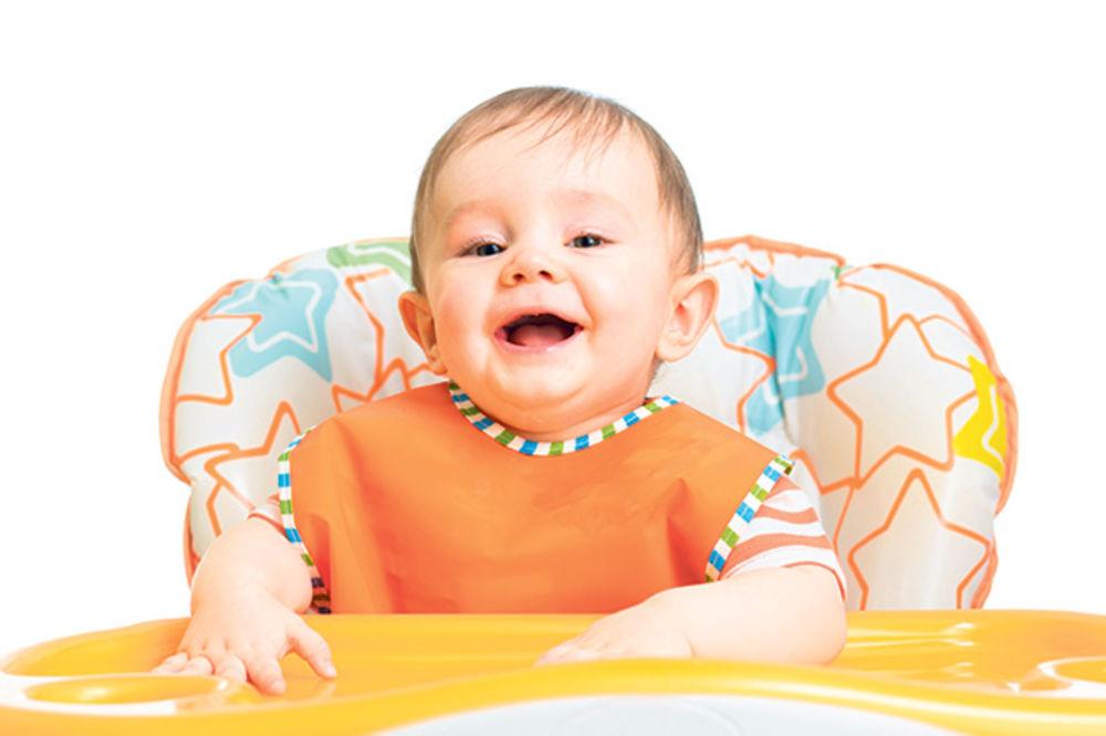 MAJSTORE, SVAKA ČAST: Stolar poklanja stolice za bebe!