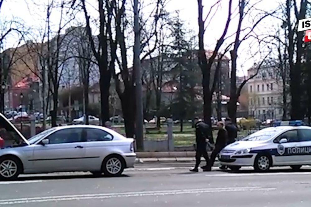 (KURIR TV) Pogledajte kako je izgoreo automobil Milana Kalinića