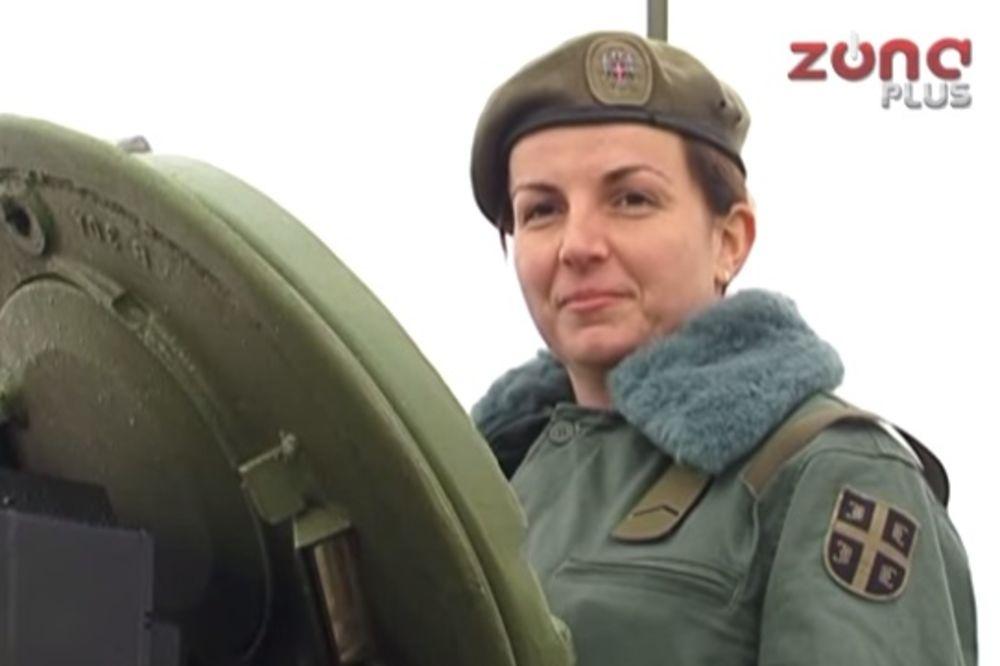 (VIDEO) PONOS DRŽAVE: Ona je jedina žena tenkista u Vojsci Srbije