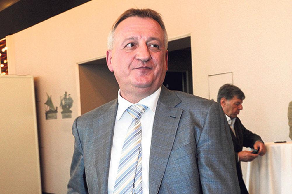 SRBIJA DOTIRA TAJKUNA: Najvećem poreskom dužniku država dala 100 miliona dinara
