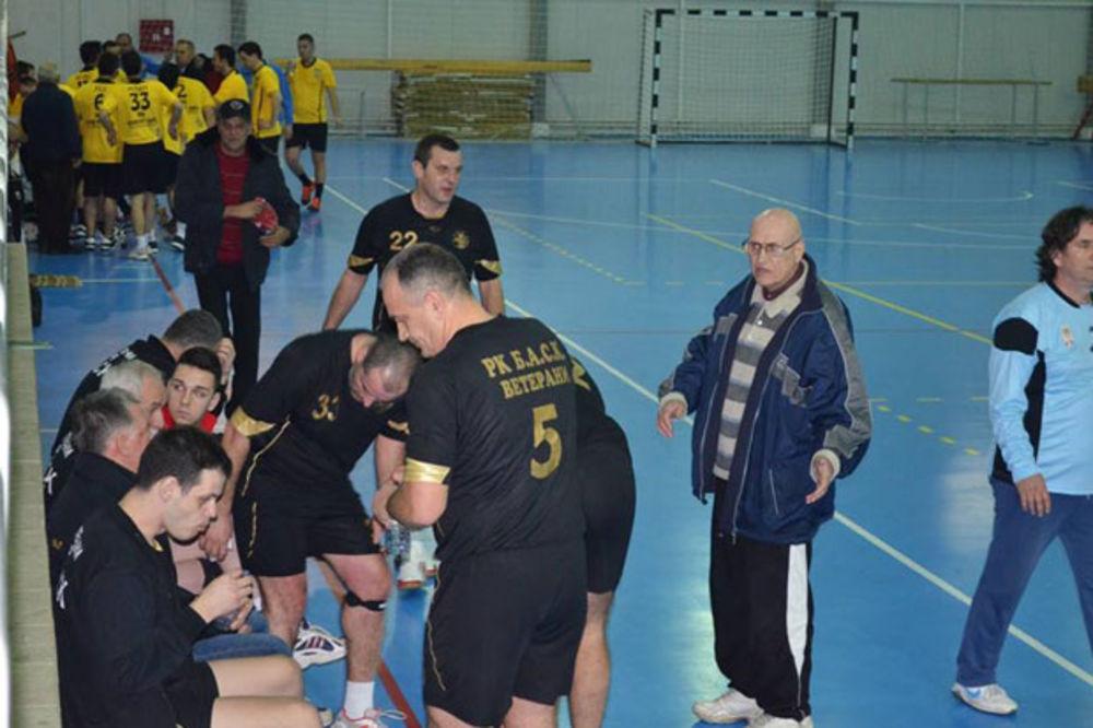 BASK GOSTOVAO U MAKEDONIJI: Humani veterani sa Careve ćuprije igrali za bolesnog dečaka
