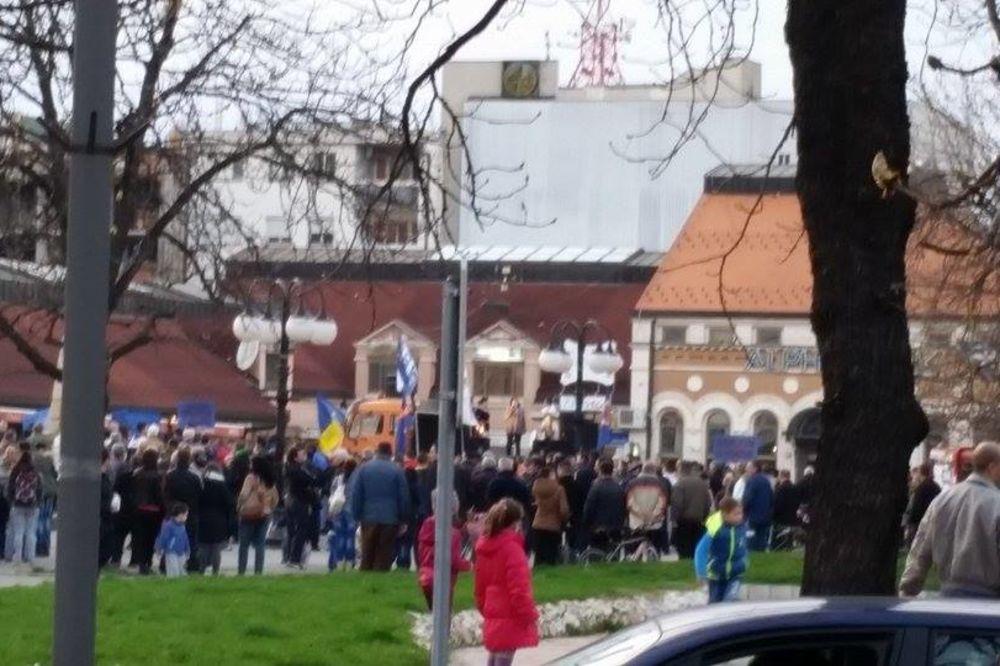 ZAJEČAR: Ničić sa celom opozicijom Srbije nije okupio ni 200 ljudi!