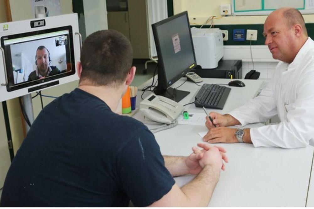 PACIJENTI KOJI NE ZNAJU NEMAČKI MOGU DA ODAHNU: Bolnica uvodi video prevodioce!