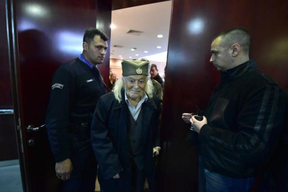 (FOTO) REHABILITACIJA ĐENERALA DRAŽE: Konačna odluka 14. maja, u sudnici bio i Šešelj