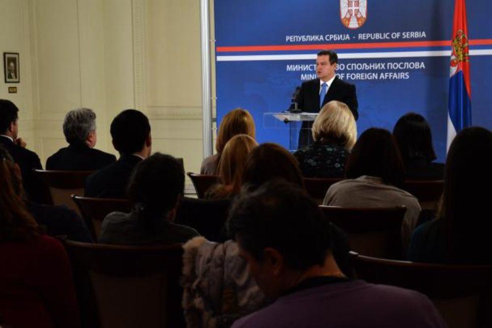 Dačić: Srpske firme ne prodaju oružje Libiji!