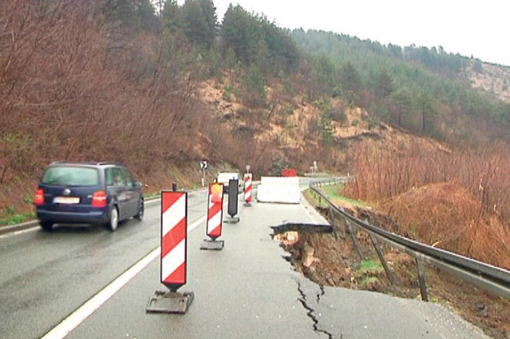 ALARMANTNO: Kiša urušila Ibarsku, stiže nam novi ciklon