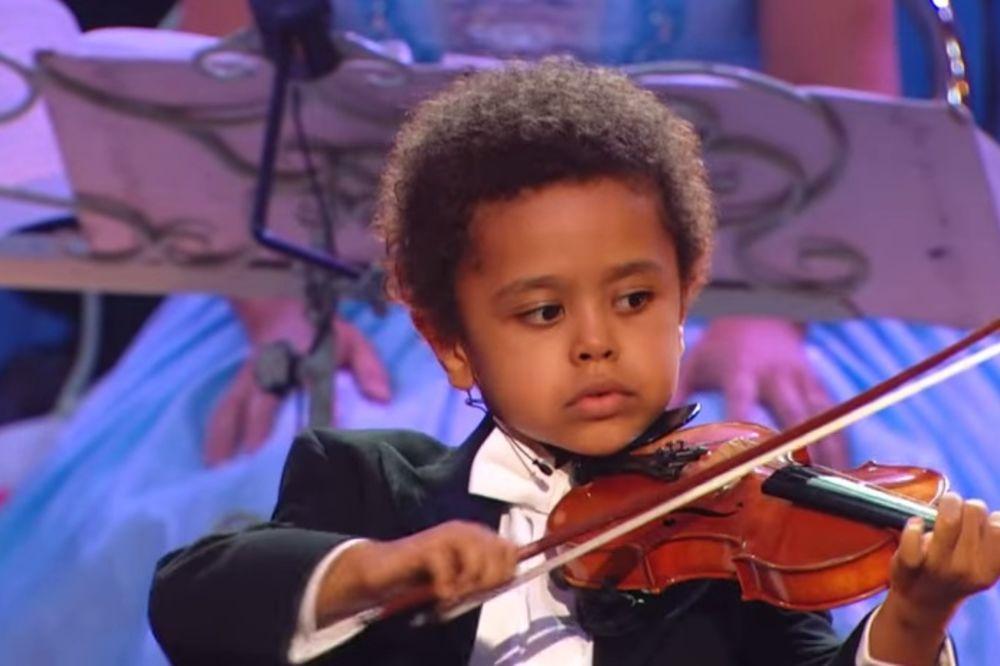 (VIDEO) ŠTA JE BILO POSLE? Sa 5 godina oduševio je svet talentom, šta se desilo 10 godina kasnije