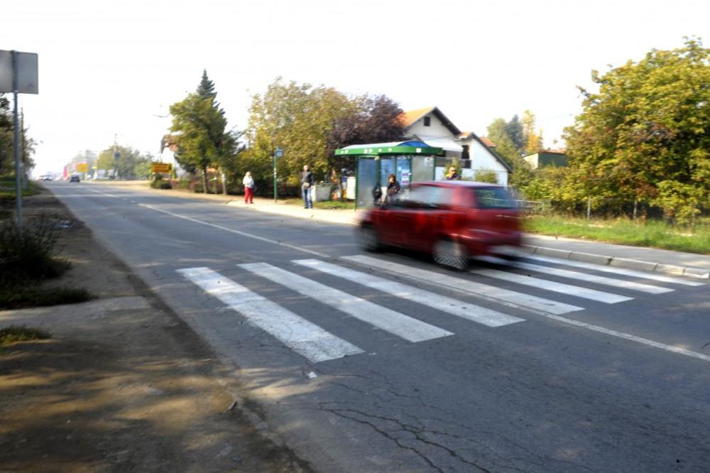 POLICIJA MOTRI: Novosađani, samo preko pešačkog!