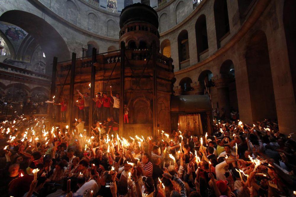 (VIDEO) PRVI PUT U BEOGRADU: Sveti oganj iz Jerusalima stiže u Hram Svetog Save u subotu