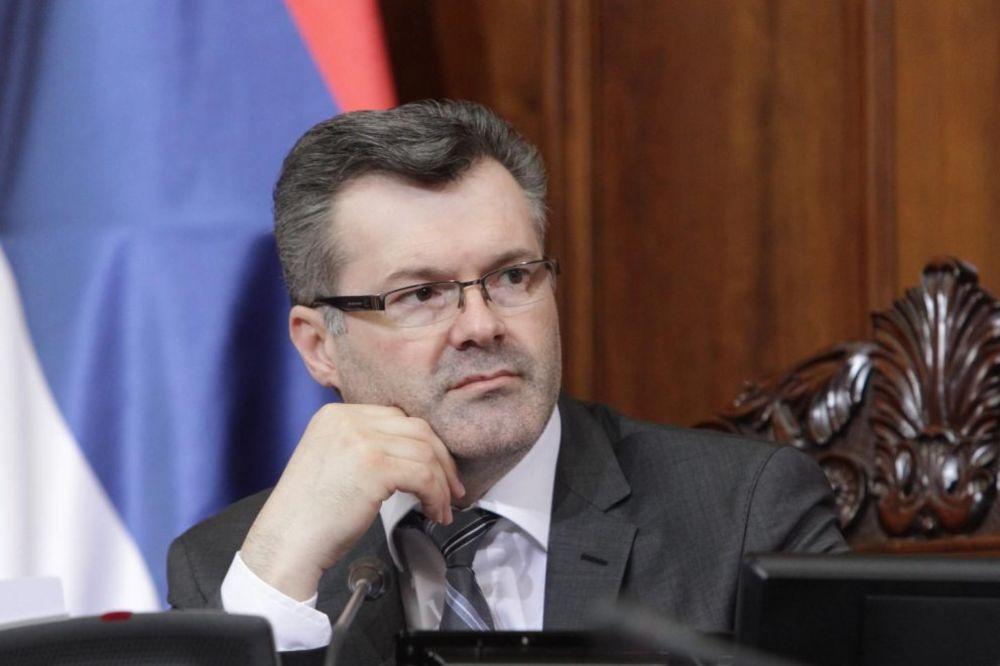 SKANDAL U SKUPŠTINI SRBIJE Bečić: Đurišić mi psovao porodicu i rekao da će da me razbije!