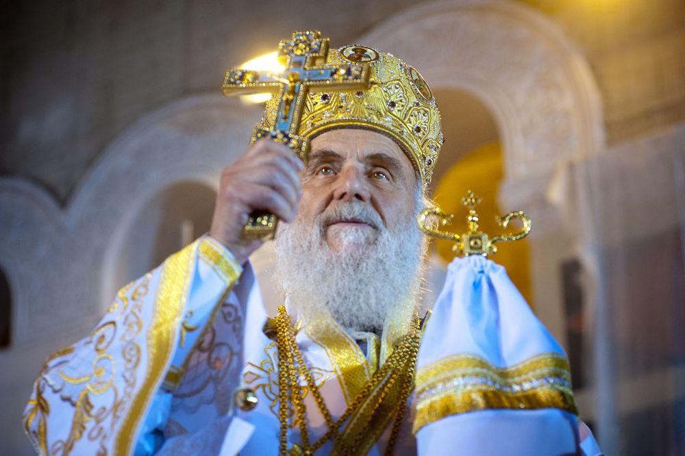 HRISTOS VASKRSE: U svim hramovima SPC služene svete liturgije