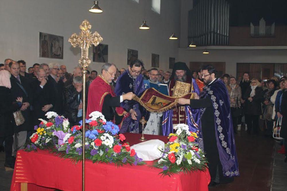 DIJASPORA NE ZABORAVLJA SVOJU VERU I TRADICIJU: Srbi u Austriji proslavljaju Uskrs!