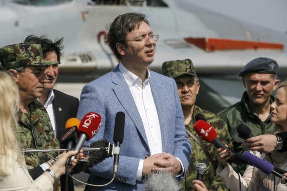 VUČIĆ NA BATAJNICI: Kupujemo dva nova helikoptera Mi-17