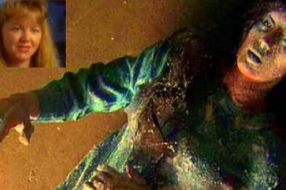 Džin Hilard sa 19 godina (u ćošku levo) i smrznuta (Foto: Printscreen YouTube)