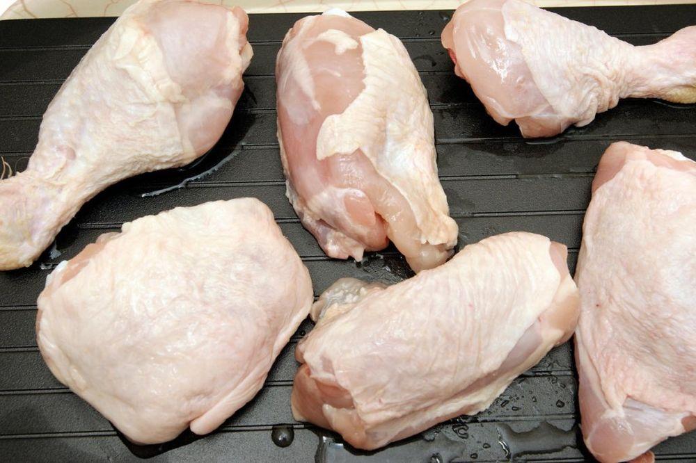 Postoji veoma dobar razlog zašto piletinu ne bi trebalo prati pre spremanja, a to je...