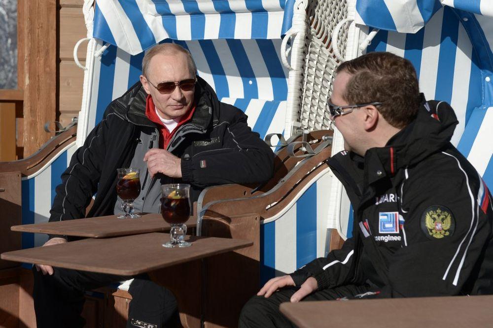 KREMLJ OBJAVIO: Putin u 2014. zaradio duplo više, ali i to je mačji kašalj za neke funkcionere