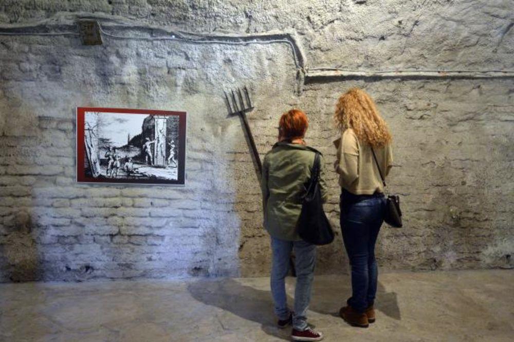 (FOTO) POČELA IZLOŽBA: Srednjovekovne sprave za mučenje na Kalemegdanu