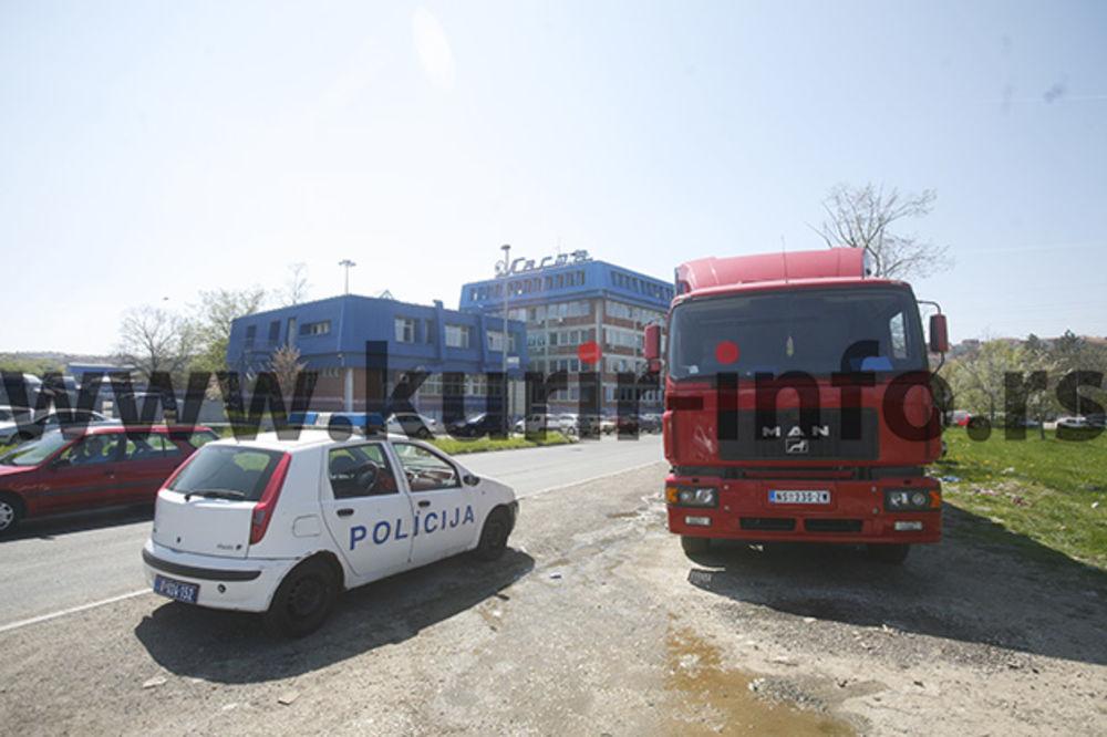 TRAGEDIJA NA NIŠKOM AUTO-PUTU: Kamiondžija pronađen obešen o kabinu