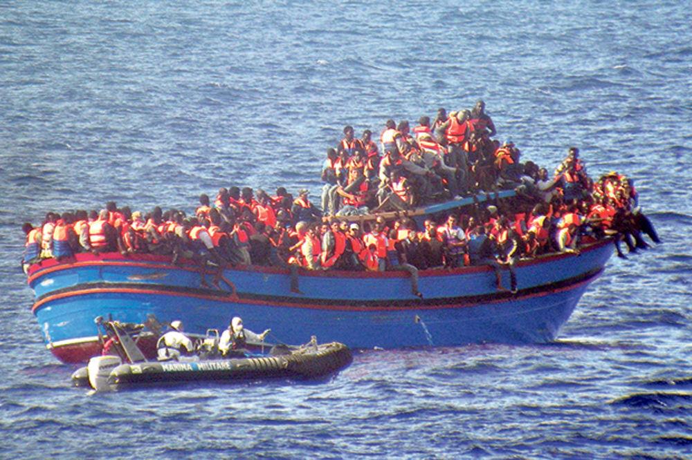 OPASNOST ZA EVROPU: U brodovima sa migrantima i borci Islamske države