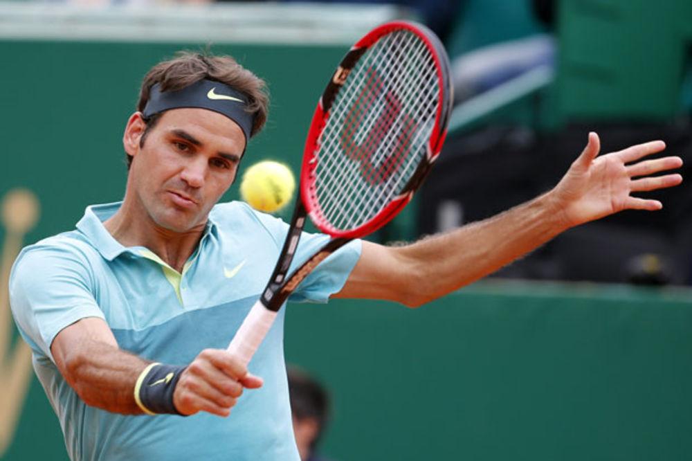 ČUDESNI FRANCUZ ŠOKIRAO ŠVAJCARCA: Monfis izbacio nemoćnog Federera!