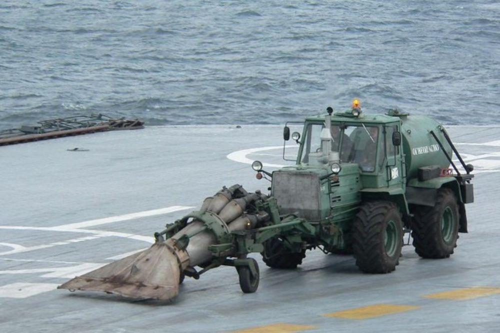 ODUVALI AMERE: Evo kako su Rusi usavršili čišćenje palube nosača aviona!