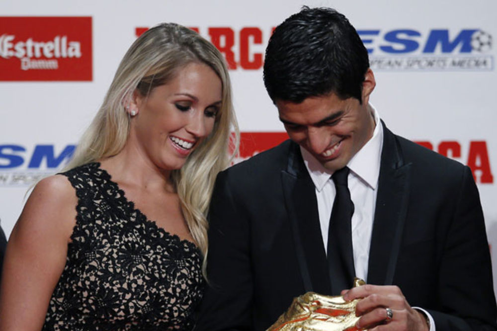 (VIDEO) MLAD I LUDO ZALJUBLJEN: Ova ljubavna priča Luisa Suareza ganula je svet