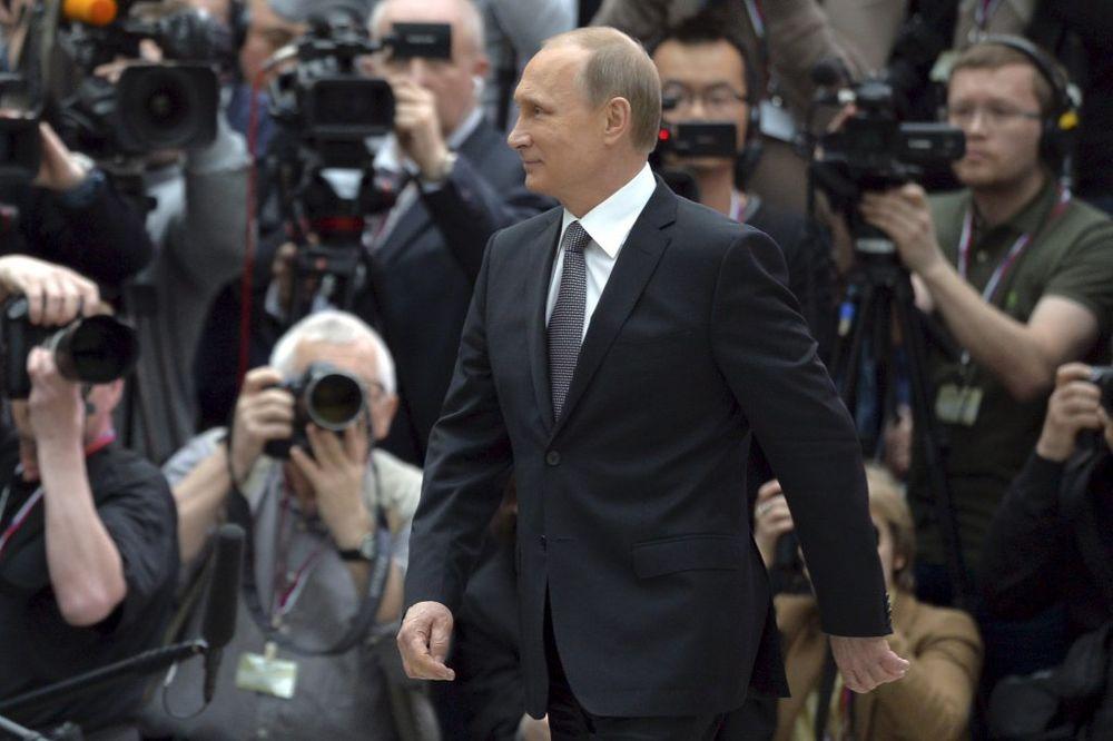 OSNIVAČ CNN: Putin radi šta politički vođa i treba da radi i nije đavo kakvim ga prikazujemo