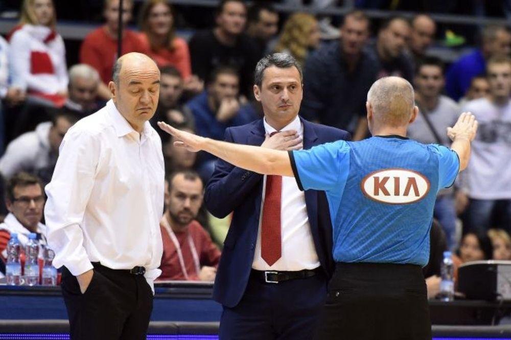 (VIDEO) BURNO I PORED TERENA: Evo kako tokom utakmice reaguju Vujošević i Radonjić