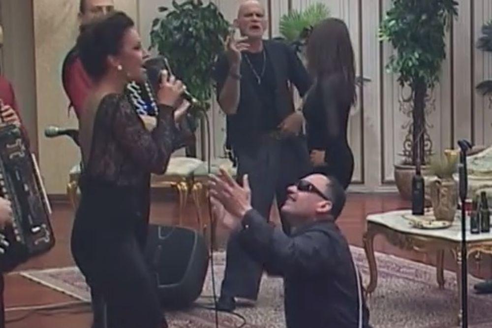 (VIDEO) ZMAJ NAPAO KATARINU ŽIVKOVIĆ: Pevačica nije mogla da mrdne!