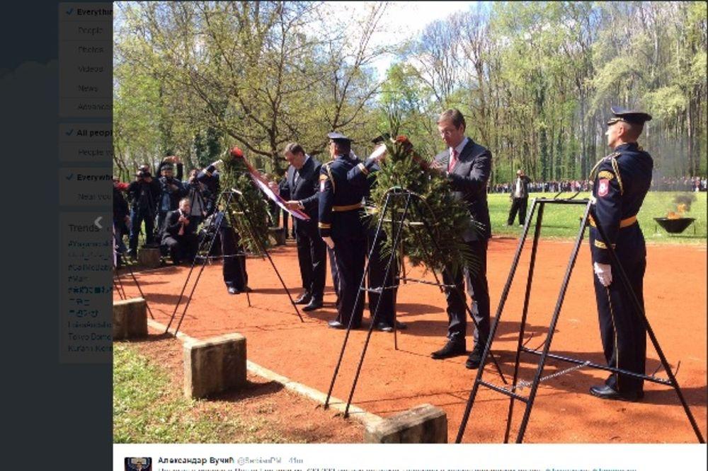 (VIDEO) DAN SEĆANJA NA ŽRTVE GENOCIDA: Vučić položio venac za stradale u Jasenovcu