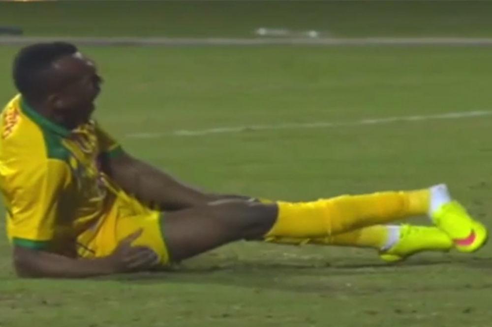 (UZNEMIUJUĆI VIDEO) Jeziv prelom noge fudbalera u Saudijskoj Arabiji