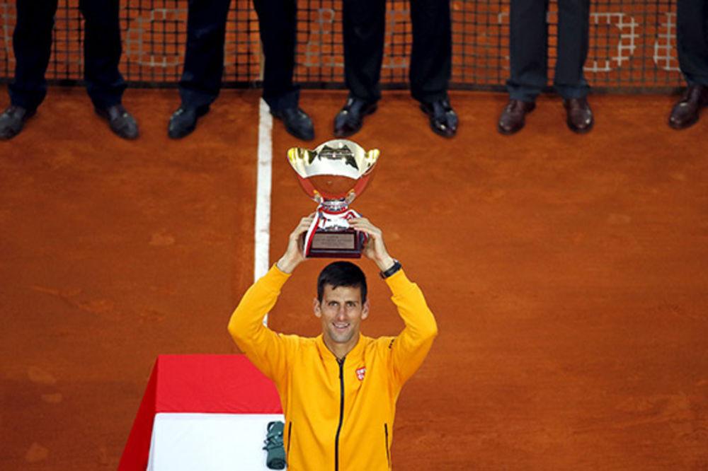 NEPOBEDIV: Saznajte koje sve rekorde sad napada Novak Đoković