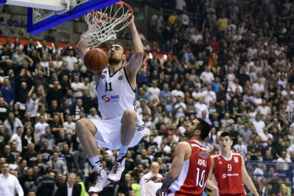 (VIDEO) GRČKA ILI NBA: Nikola Milutinov napustio Partizan