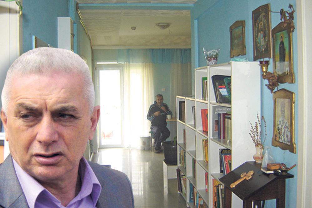 PETORO STARACA UMRLO OD SALMONELE: Dom smrti ipak nije imao dozvolu za rad