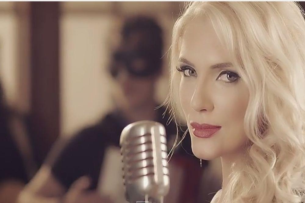 SUMNJIVO LICE: Nikolina Kovač snimila novi spot i posvetila ga svim ženama