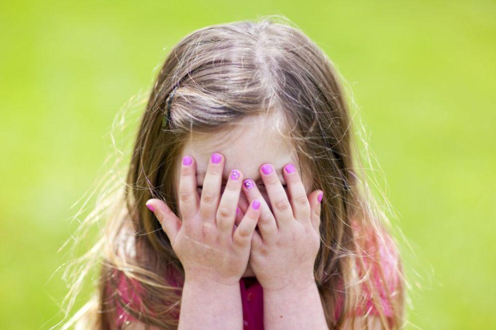 MAJKA IZ PAKLA: Ćerke svaku noć zaključam u sobu da ih ne bi napao moj muž pedofil