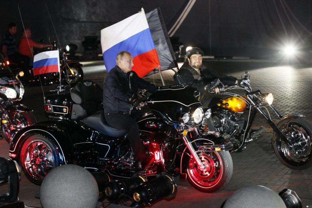 (VIDEO) VUKOVE NE MOGU DA ZAUSTAVE: Putinovi bajkeri uprkos zabrani Poljske kreću na Berlin!