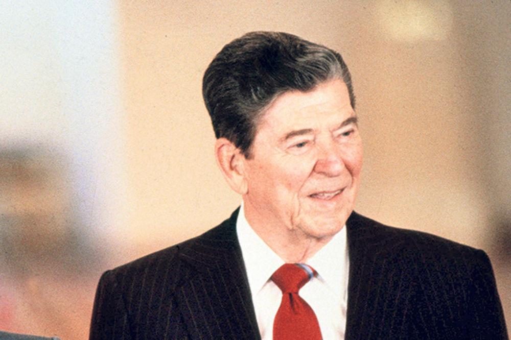 HIT: Regan hteo borbu s vanzemaljcima