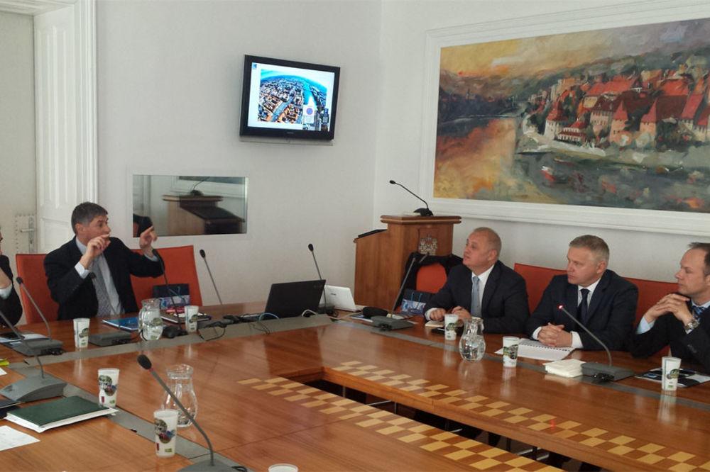 USPEŠNA POSETA SLOVENIJI: Beograd prodaje Mariboru sistem za parkiranje!