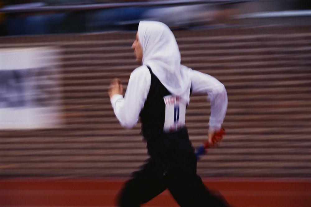 HIT NA ISLAMSKOM KOLEDŽU: Zabranio učenicama da se bave sportom da ne izgube nevinost!