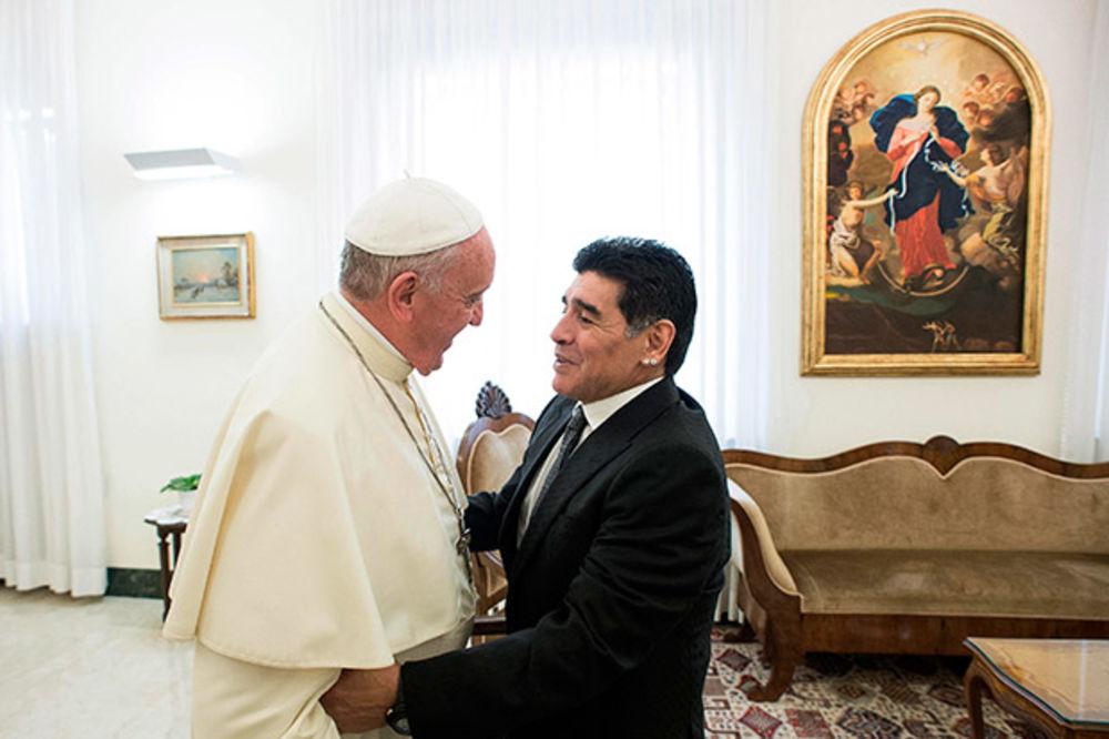 SASTANAK U VATIKANU: Papa i Maradona razgovarali o utakmici mira u Rimu