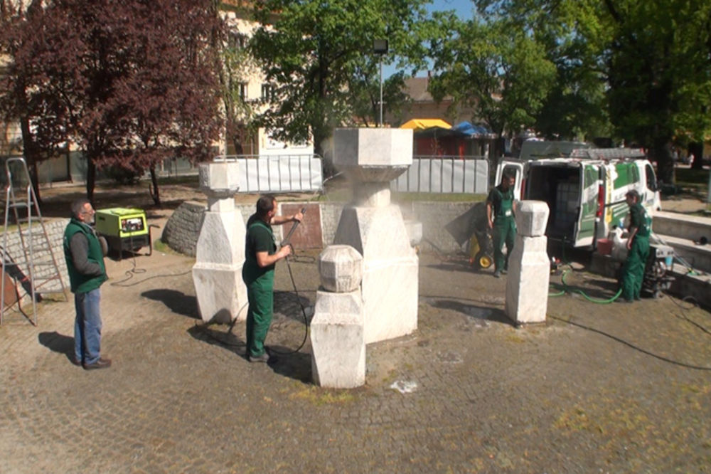 SEĆANJE NA INTERNIRCE: Spomenik bljesnuo, pitanje je dokle će biti čist?!