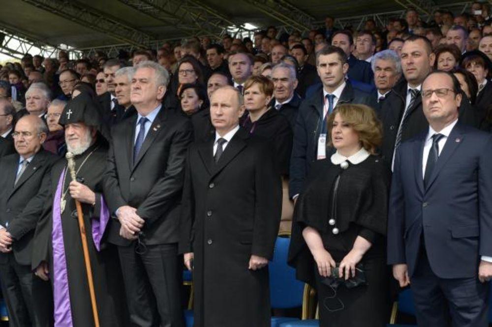 NIKOLIĆ U JEREVANU: Jermenske žrtve trajna su opomena živima!