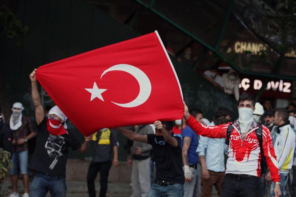 PROTESTI U BEČU: Turci i Jermeni blokiraju centar grada!
