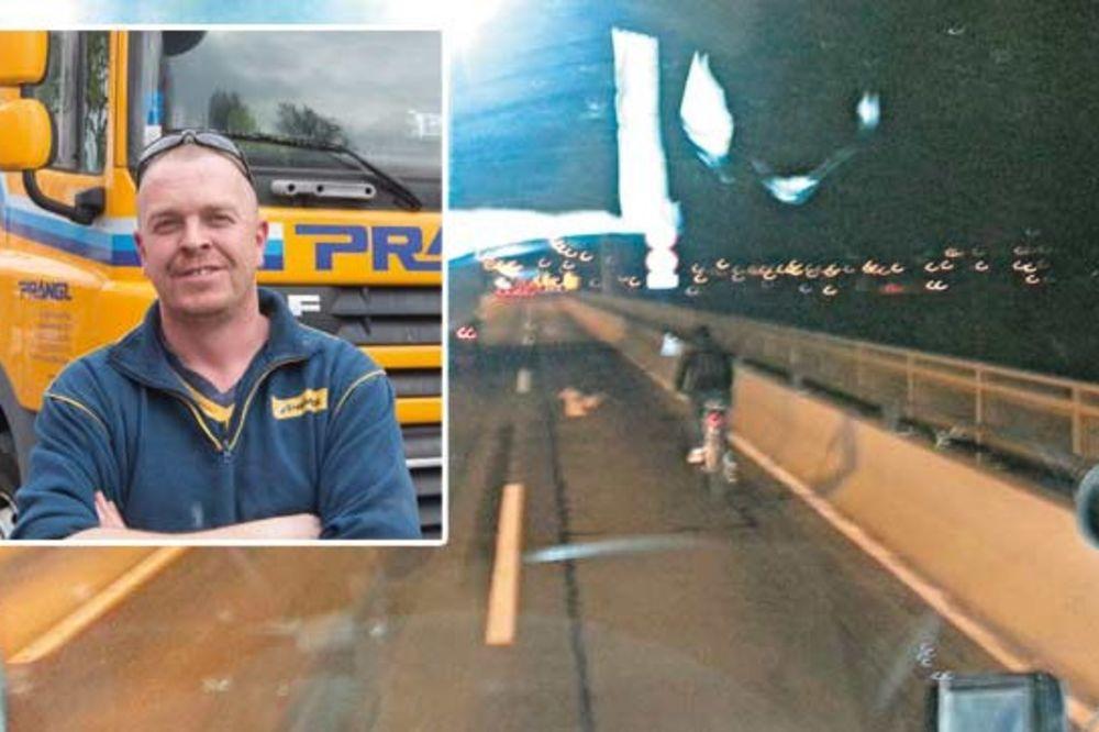 (VIDEO) OVAJ ČOVEK IMA ANĐELA ČUVARA: Pogledajte kako je biciklista prešao most!