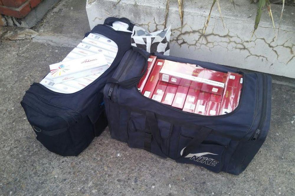 ŠVERC: Napunio dve putne torbe cigaretama